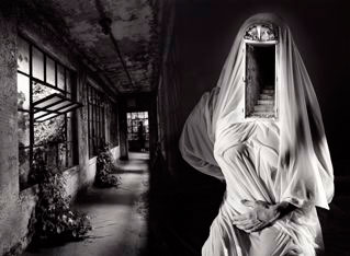 21st Editions spent three days with Jerry Uelsmann looking at over 3000 finished works. What emerged was a selection of ten exquisite photographs which Uelsmann painstakingly printed as original silver gelatin prints (16 x 20-inch).